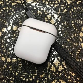 アップル(Apple)のAirPods ホワイト マットタイプ 保護ケース カバー(ヘッドフォン/イヤフォン)