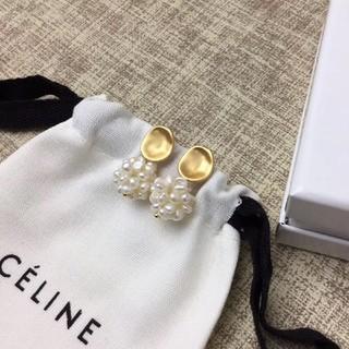Celine セリーヌ パール ピアス