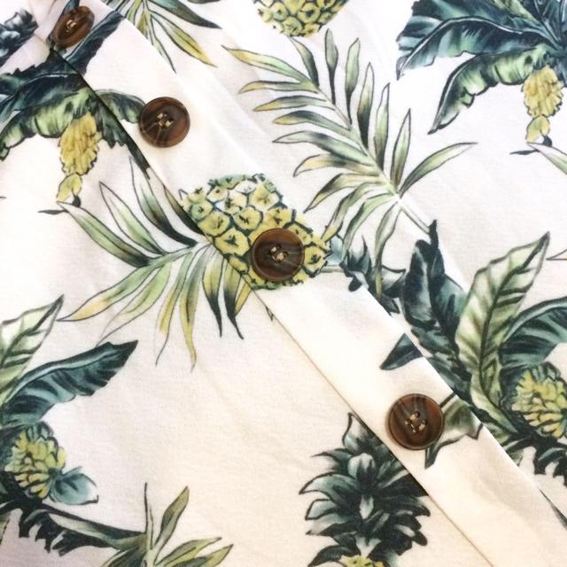 ZARA(ザラ)の専用二枚 パイナップルとフラワーマキシベージュ レディースのワンピース(ひざ丈ワンピース)の商品写真