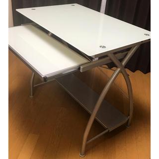 美品  オシャレなガラスのパソコンデスク 発送方法要相談 パソコンテーブル(オフィス/パソコンデスク)