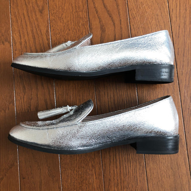 ORiental TRaffic(オリエンタルトラフィック)のORiental TRaffic☆シルバーローファー size41 レディースの靴/シューズ(ローファー/革靴)の商品写真