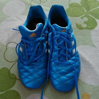 アディダス(adidas)のアディダス フットサル シューズ  24cm(シューズ)