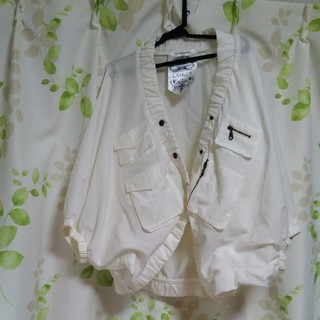 薄手白ジャケット(ノーカラージャケット)