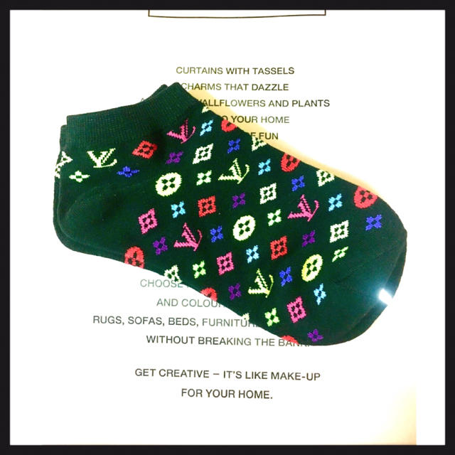 LOUIS VUITTON(ルイヴィトン)のソックスノベルティーラスト1 レディースのレッグウェア(ソックス)の商品写真