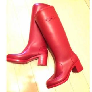 サルヴァトーレフェラガモ(Salvatore Ferragamo)のレインブーツ長靴赤ラバーチャンキーヒールSalvatoreFerragamo(レインブーツ/長靴)