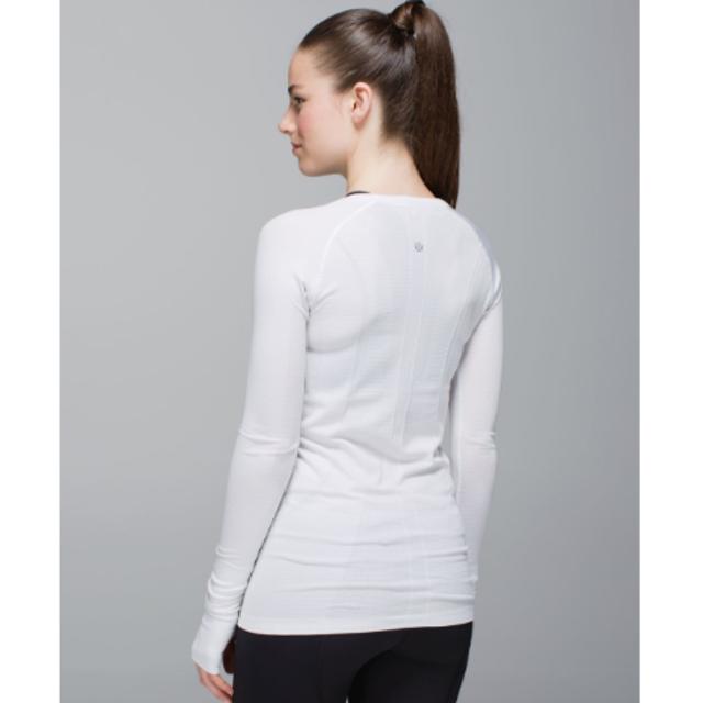 4dc73a936f44f lululemon(ルルレモン)のlululemon ロングスリーブ レディースのトップス(Tシャツ(長袖