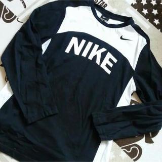 ナイキ(NIKE)のNIKEロングTシャツ(Tシャツ(長袖/七分))