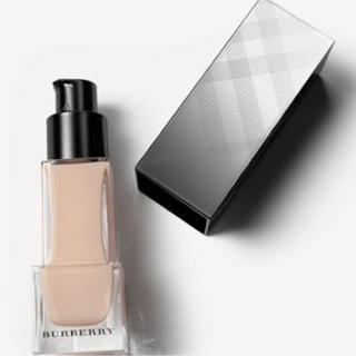 バーバリー(BURBERRY)の新品バーバリー フレッシュグロウ ルミナスフルイドベース01(化粧下地)