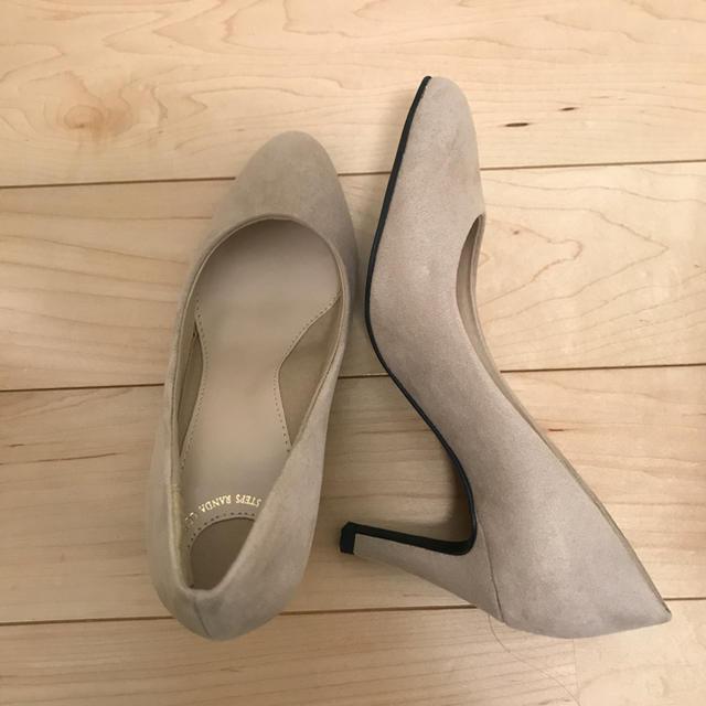 RANDA(ランダ)の美品!RANDA 走れる美脚パンプス ベージュ 21.0 レディースの靴/シューズ(ハイヒール/パンプス)の商品写真