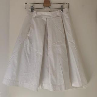 グーコミューン(GOUT COMMUN)のGOUTCOMMUN 白 スカート 38 フレア IENA トゥモローランド(ひざ丈スカート)