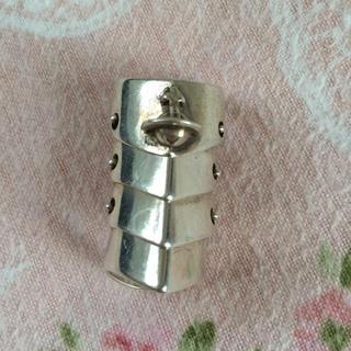 ヴィヴィアンウエストウッド(Vivienne Westwood)のvivienne アーマーリング(リング(指輪))