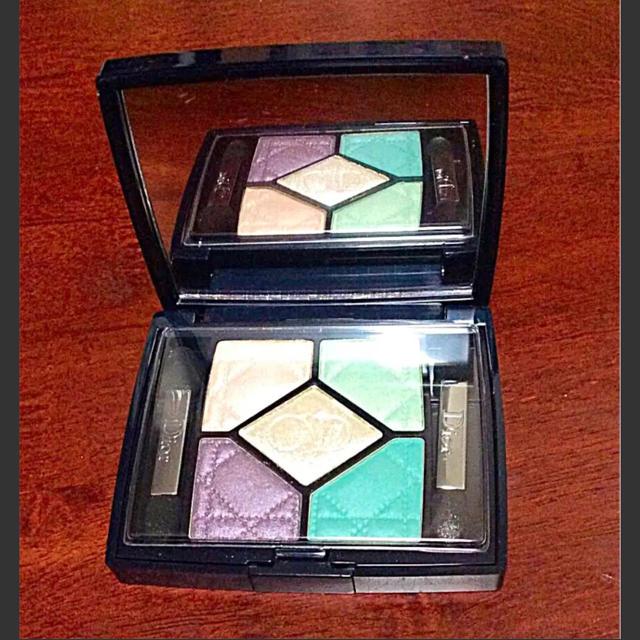 Dior(ディオール)のお値下げ Dior アイシャドウ サンククルール ディオール コスメ/美容のベースメイク/化粧品(アイシャドウ)の商品写真