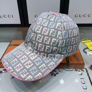 フェンディ(FENDI)のFENDi 可愛いキャップ 帽 レディース (キャップ)
