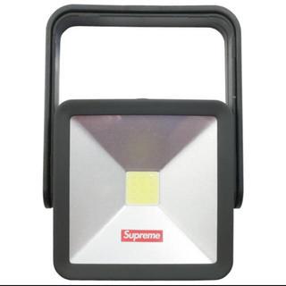 シュプリーム(Supreme)のSupreme Magnetic Kickstand Light read 黒(その他)
