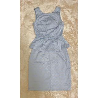 エイチアンドエム(H&M)のH&M サテンベビーブルー 水色ペプラムスカートスーツセットアップ(セット/コーデ)