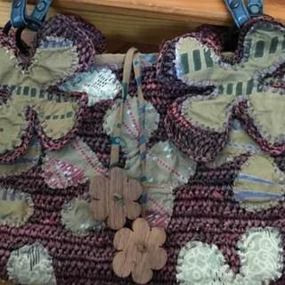 ジャマンピュエッシュ(JAMIN PUECH)の大幅値下げ !ジャマンピエッシュの 花のアップリケが可愛いバッグ(ハンドバッグ)