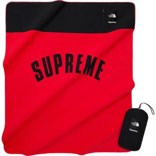 シュプリーム(Supreme)のArc Logo Denali Fleece Blanket レッド(毛布)