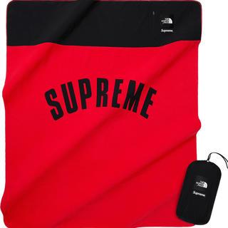 シュプリーム(Supreme)のArc Logo Denali Fleece Blanket(毛布)