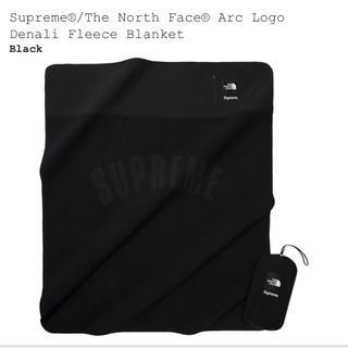 シュプリーム(Supreme)のSupreme tnf Denali Fleece Blanket  (毛布)