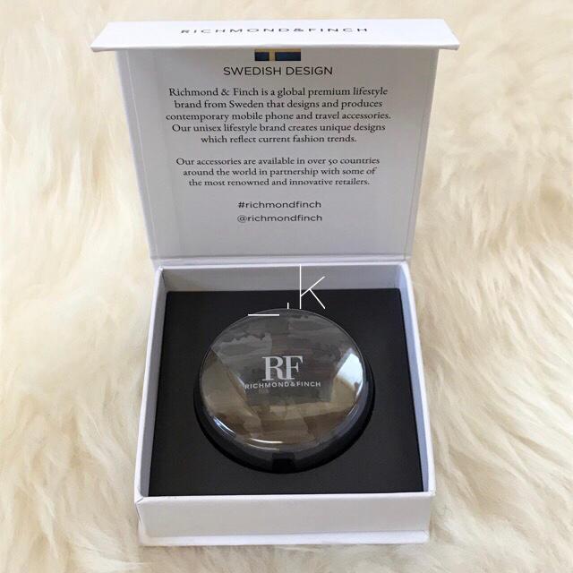リッチモンドアンドフィンチ iPhone ライトニングケーブル コード カモフラの通販 by _.k's shop|ラクマ