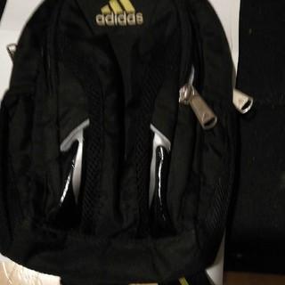 アディダス(adidas)のadidas のショルダーバッグ(ショルダーバッグ)