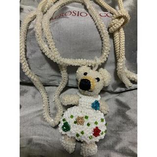 アッシュペーフランス(H.P.FRANCE)のアプロジオ & コー 新品 ネックレス マットな白お花の服 しろ くま 保存袋付(ネックレス)