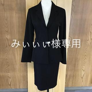 ヌール(noue-rue)のヌール  黒スーツ(スーツ)