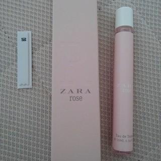 ザラ(ZARA)のZARA rose オードトワレ 香水 ロールオンタイプ 10ml スペイン製(香水(女性用))
