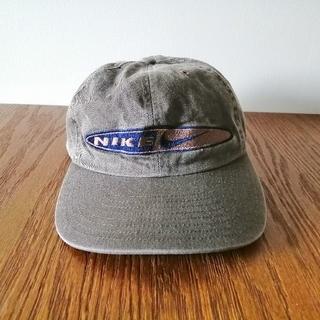 ナイキ(NIKE)のNIKE(ナイキ)キャップ・カーキ(送料込み)(キャップ)