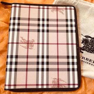 バーバリー(BURBERRY)のBurberryバーバリーアイパッドiPadケース(iPadケース)