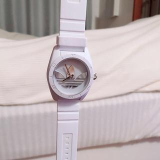 アディダス(adidas)のadidas 腕時計 ホワイト(腕時計)