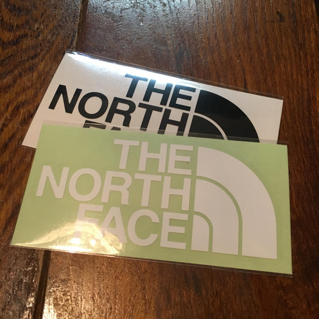 THE NORTH FACE(ザノースフェイス)の新品 完売 THE NORTHFACE ノースフェイス ステッカー セット売り 自動車/バイクのバイク(ステッカー)の商品写真