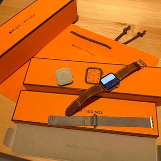 最新モデル アップルウォッチseries4 HERMES 即購入可能(腕時計(デジタル))