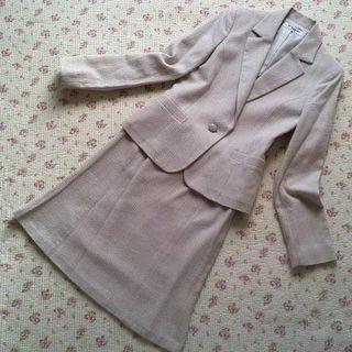 ナチュラルビューティーベーシック(NATURAL BEAUTY BASIC)の【極美】 ナチュラルビューティー スカートスーツ 上M下S W62 春 OL (スーツ)