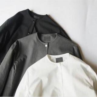 オローネバルーンロングシャツ   ホワイト(ひざ丈ワンピース)