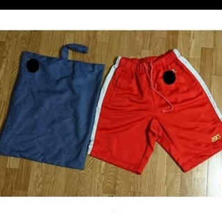 アシックス(asics)のasics ハーフパンツ 赤色 袋付き Mサイズ W78(ハーフパンツ)