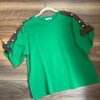 スリーフォータイム(ThreeFourTime)の新品未使用 Tシャツ 袖パール 袖リボン(Tシャツ(半袖/袖なし))