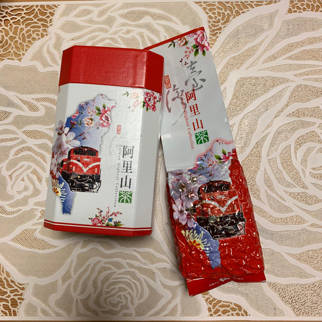 台湾  印記  阿里山茶 未開封 箱つき 最終価格 食品/飲料/酒の飲料(茶)の商品写真