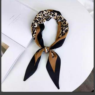 ザラ(ZARA)のインポートレオパード柄 スカーフ 新品(バンダナ/スカーフ)