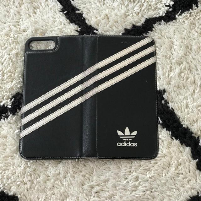 adidas(アディダス)のadidas originals case スマホ/家電/カメラのスマホアクセサリー(iPhoneケース)の商品写真