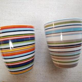 イッタラ(iittala)のイッタラ オリゴ マグカップ ベージュ&オレンジ(グラス/カップ)