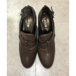 ミュウミュウ(miumiu)のmiumiu ブーツ ブーティ(ブーティ)