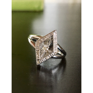 揺れるダイヤモンドリング K18WG 計D0.11カラット(リング(指輪))
