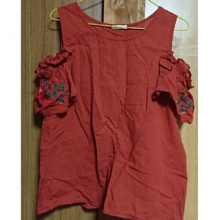 シマムラ(しまむら)のしまむら 花柄刺繍肩出しトップス(カットソー(半袖/袖なし))