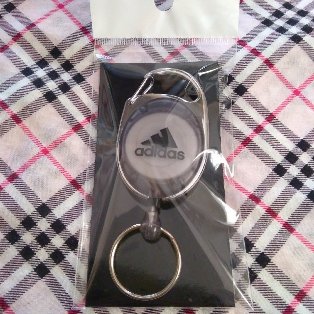 adidas(アディダス)の★非売品★adidasリールキーホルダー その他のその他(その他)の商品写真