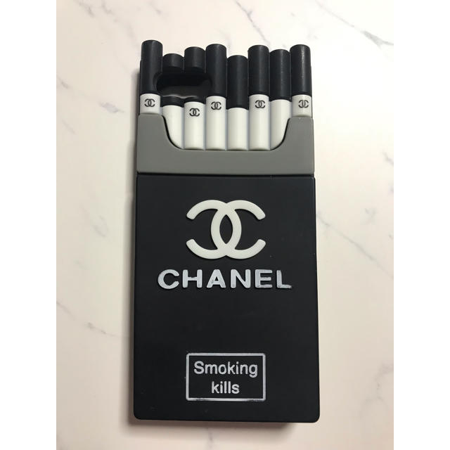 シャネル チェーン付きiphoneケース