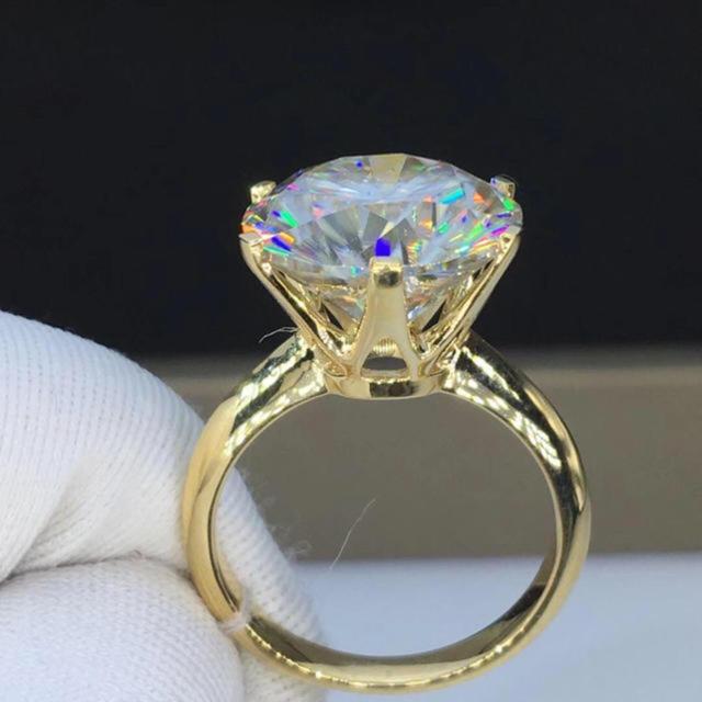 リング モアサナイト 10カラット レディースのアクセサリー(リング(指輪))の商品写真