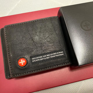 タフ(TOUGH)の三つ折り財布(折り財布)