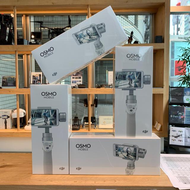 OSMO Mobile シルバー 新品未開封+おまけ付き 世界最安値! スマホ/家電/カメラのカメラ(ビデオカメラ)の商品写真