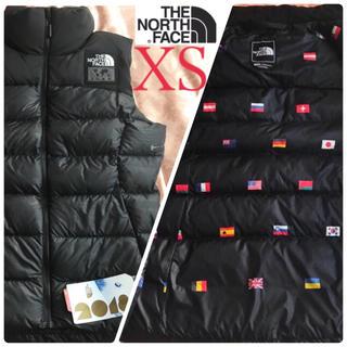 ザノースフェイス(THE NORTH FACE)のレア 新品 特別限定モデル ノースフェイス レディースダウンベスト国旗 XS 黒(ダウンベスト)